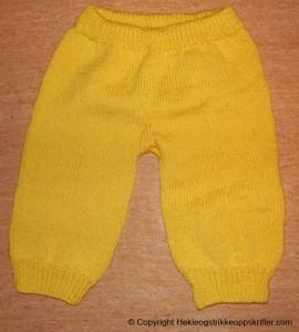 strikke ullbukse til lite barn