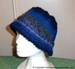 strikket lue blå