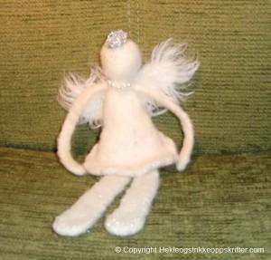 hvit engel strikket