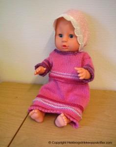 baby born strikket rosa kjole