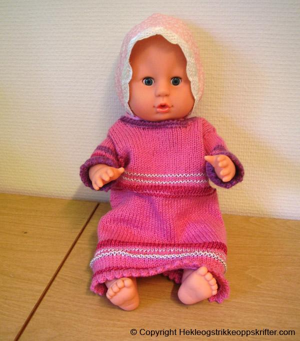 strikk kjole til dukke