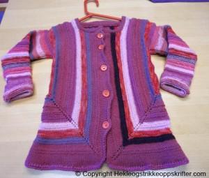 strikket barnejakke
