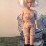 Strikke klær til barbiedukke
