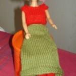 Strikke Barbie Dukkeklær – Strikk Skjørt, Topp og Støvler