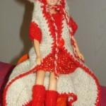 Strikket Frakk Til Barbie i Mor Aase Garn