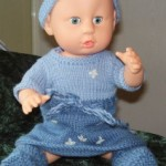 Strikket Babyborn Dukkeklær – Kjole og Pannebånd