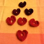 Heklede små hjerter – Dette klarer du å hekle. Fint blir det også :)